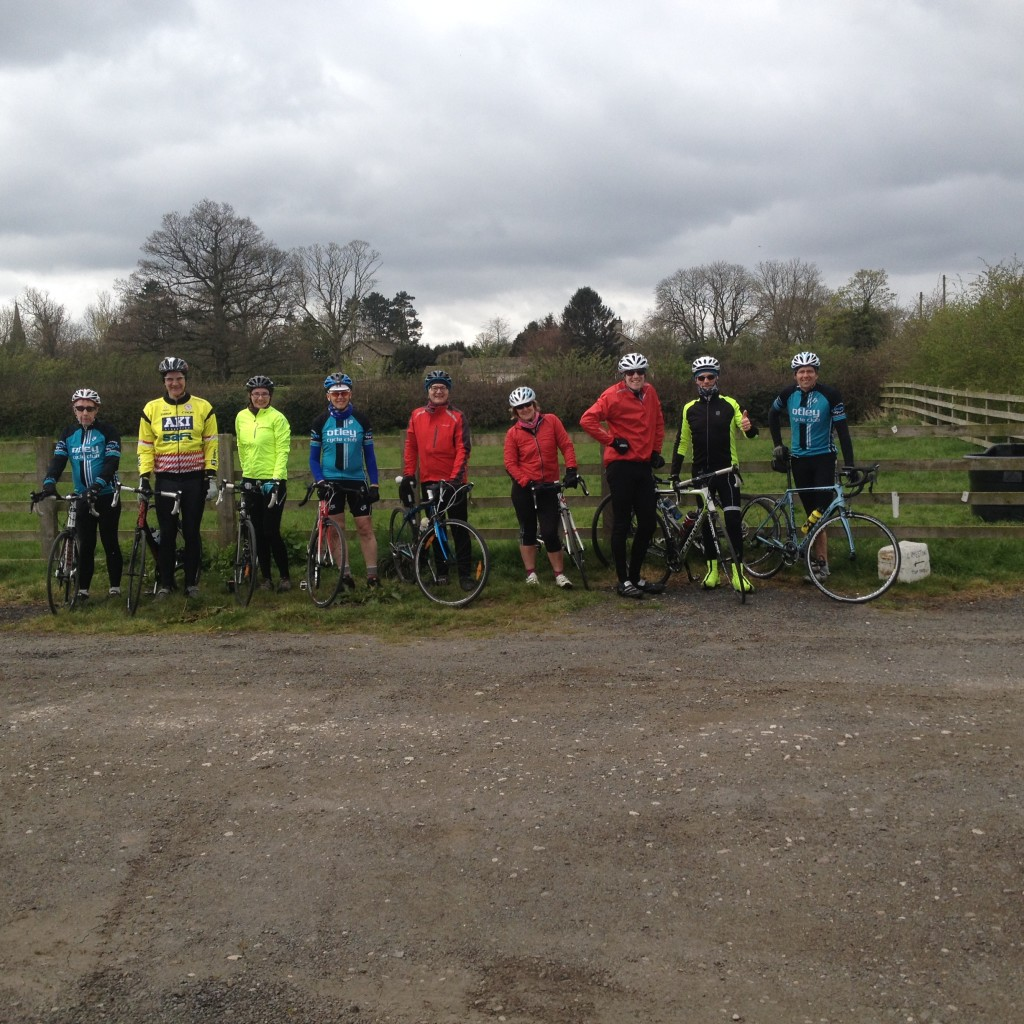 Strenuous ride to Fodders - group photo